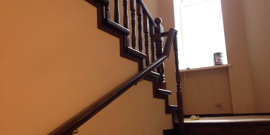 Лестницы из дуба
